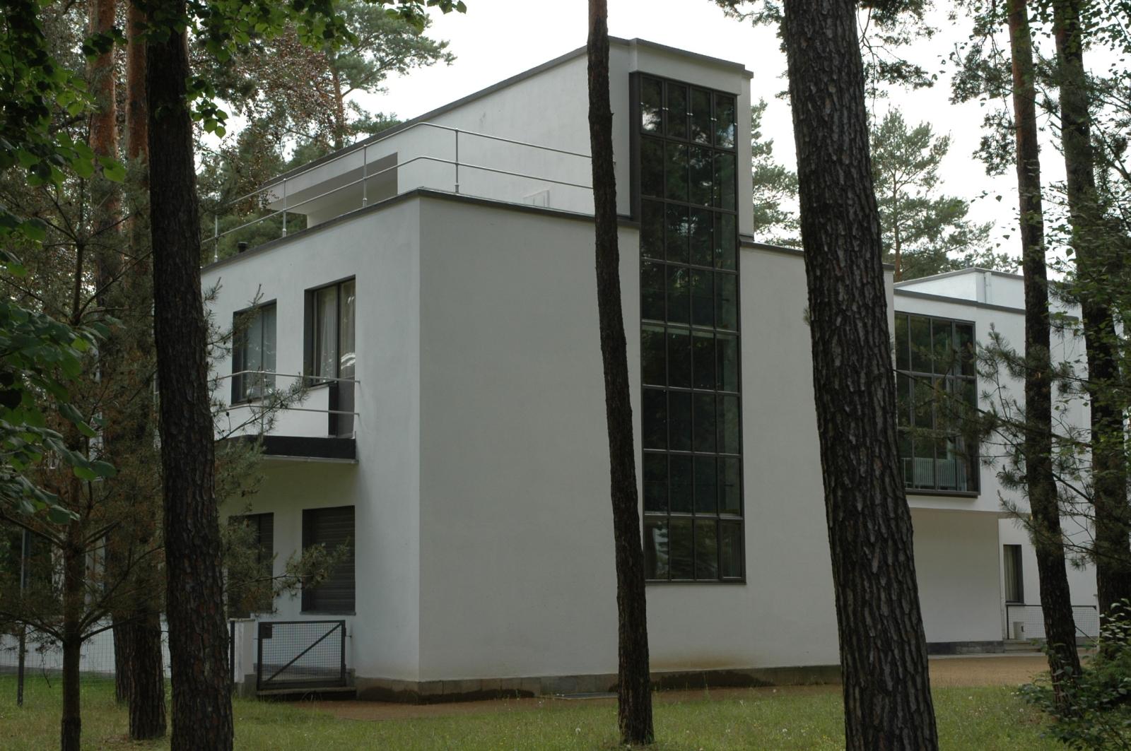 File bauhaus dessau wikimedia commons for Casa minimalista wikipedia