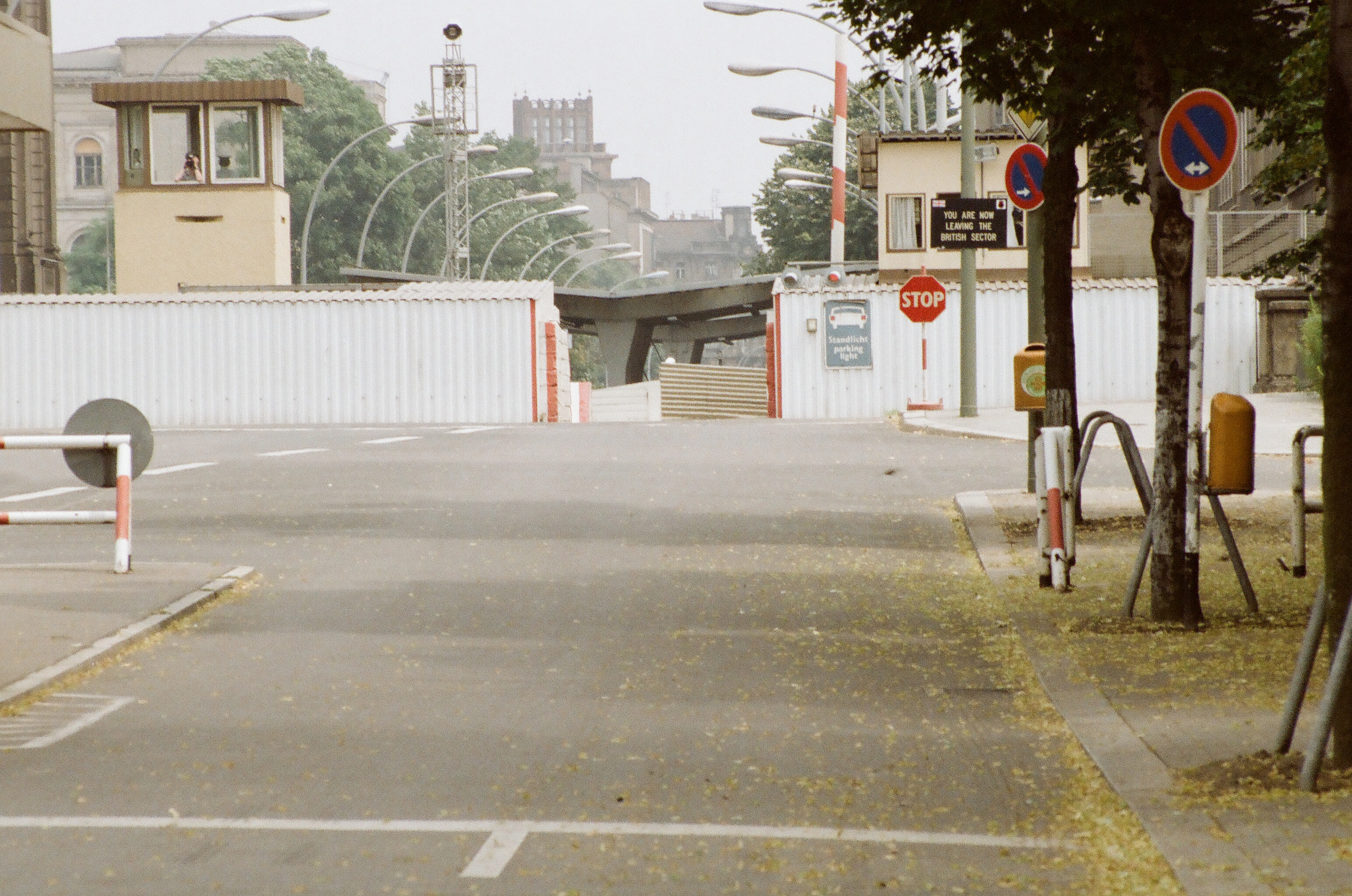 Berliner Mauer 1987 00010020.jpg