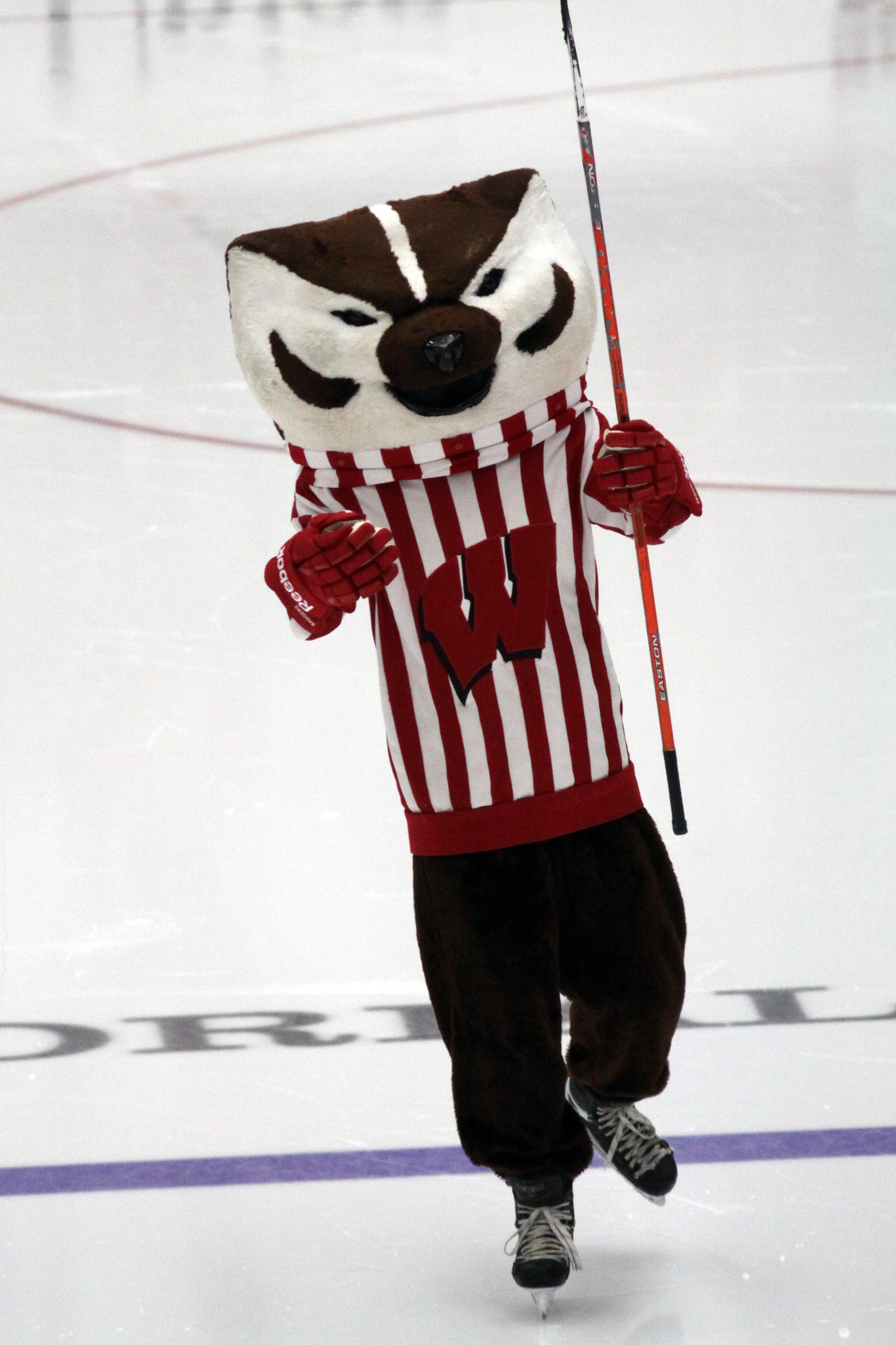 Filebucky Badger Ice Hockeyjpg Wikimedia Commons