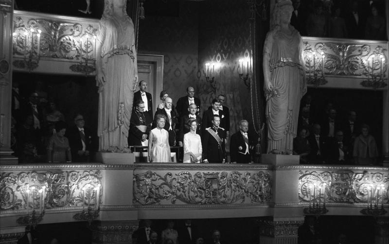 File:Bundesarchiv B 145 Bild-F033779-0009, München, Staatsbesuch König von Belgien.jpg