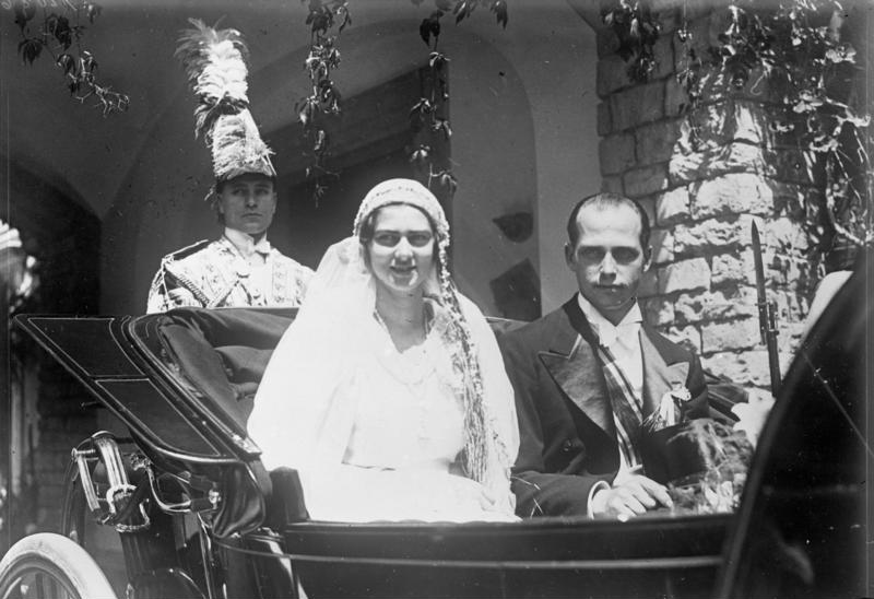 Princess Ileana of Romania (Mother Alexandra) Bundesarchiv_Bild_102-12086%2C_Rum%C3%A4nien%2C_Hochzeit_im_K%C3%B6nigshaus
