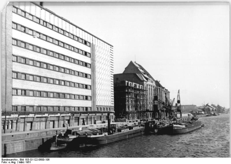 Eierkühlhaus Bundesarchiv, Bild 183-G1122-0600-106 / CC-BY-SA 3.0 [CC BY-SA 3.0 de (https://creativecommons.org/licenses/by-sa/3.0/de/deed.en)], via Wikimedia Commons