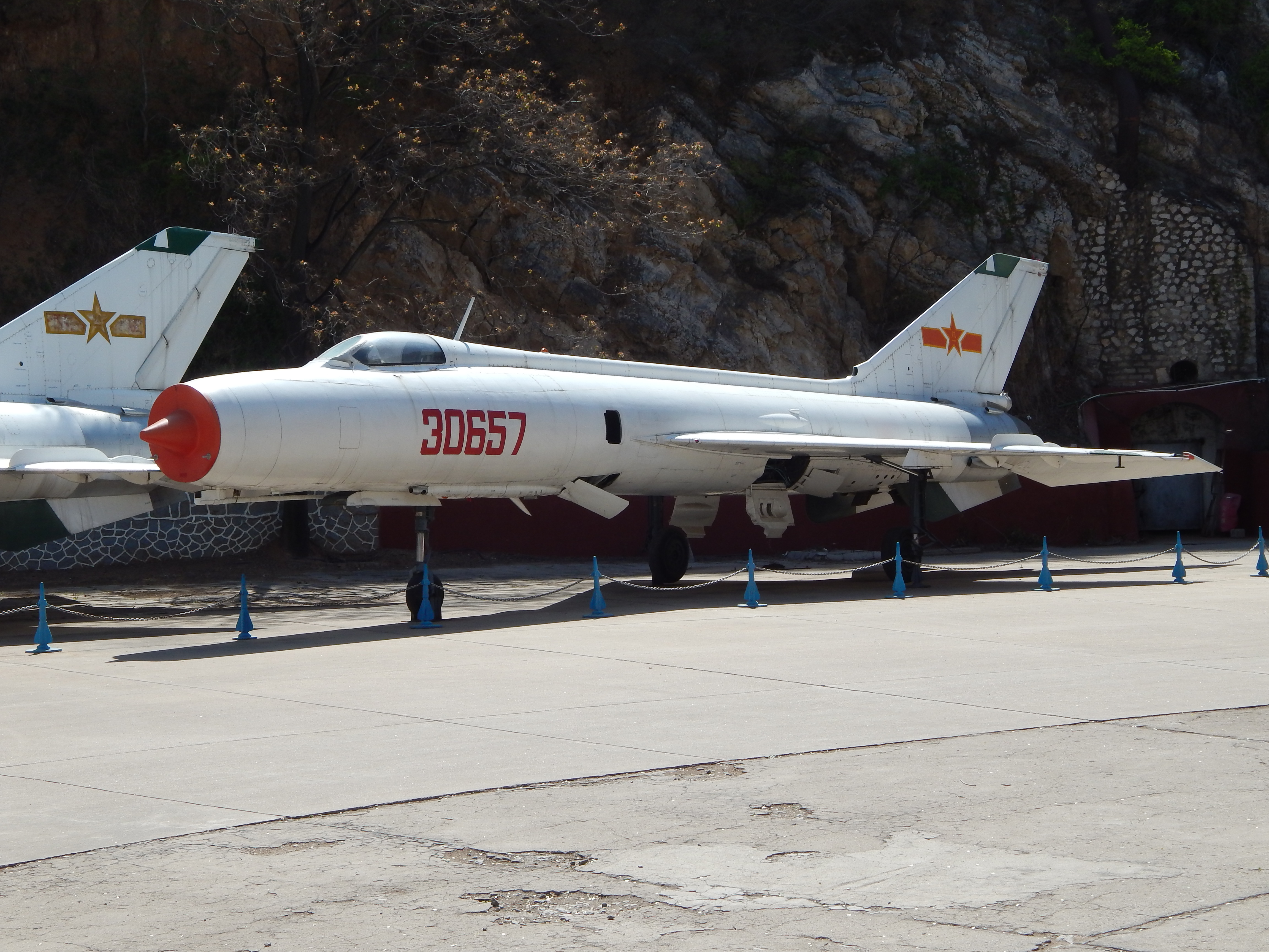 File:Chinese Air Force Fighter-Bomber, Beijing Aviation Museum