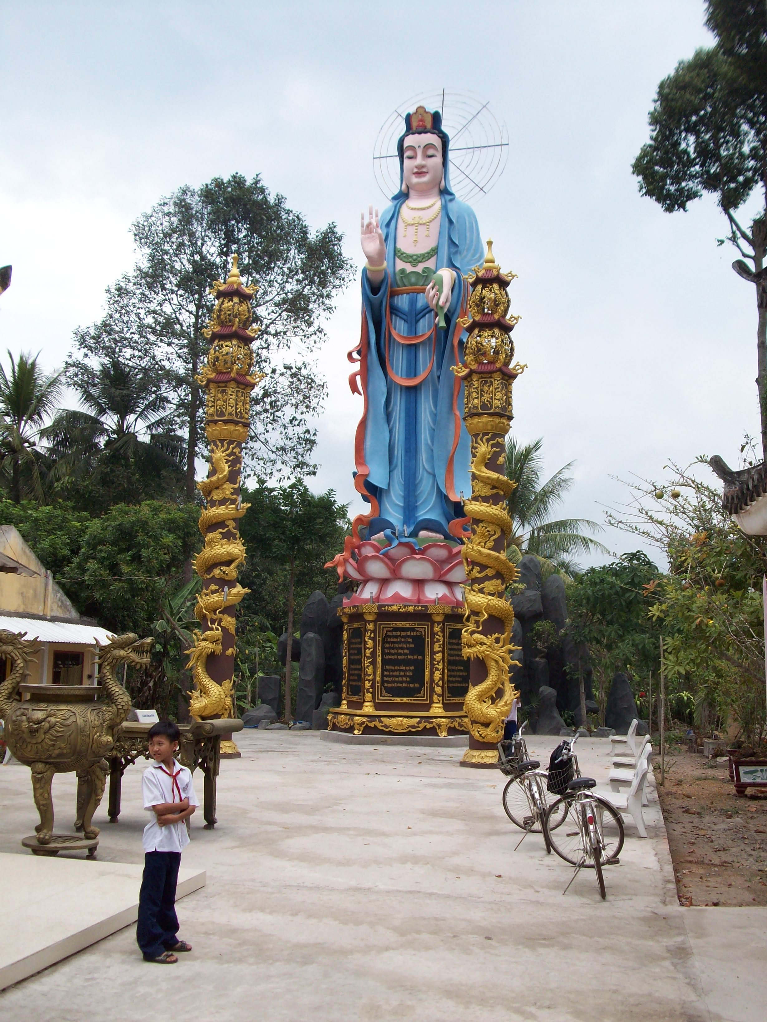Cai Be (Tien Giang) Vietnam  City pictures : Chua Long Phuoc at Cai Lay Vietnam Wikimedia Commons