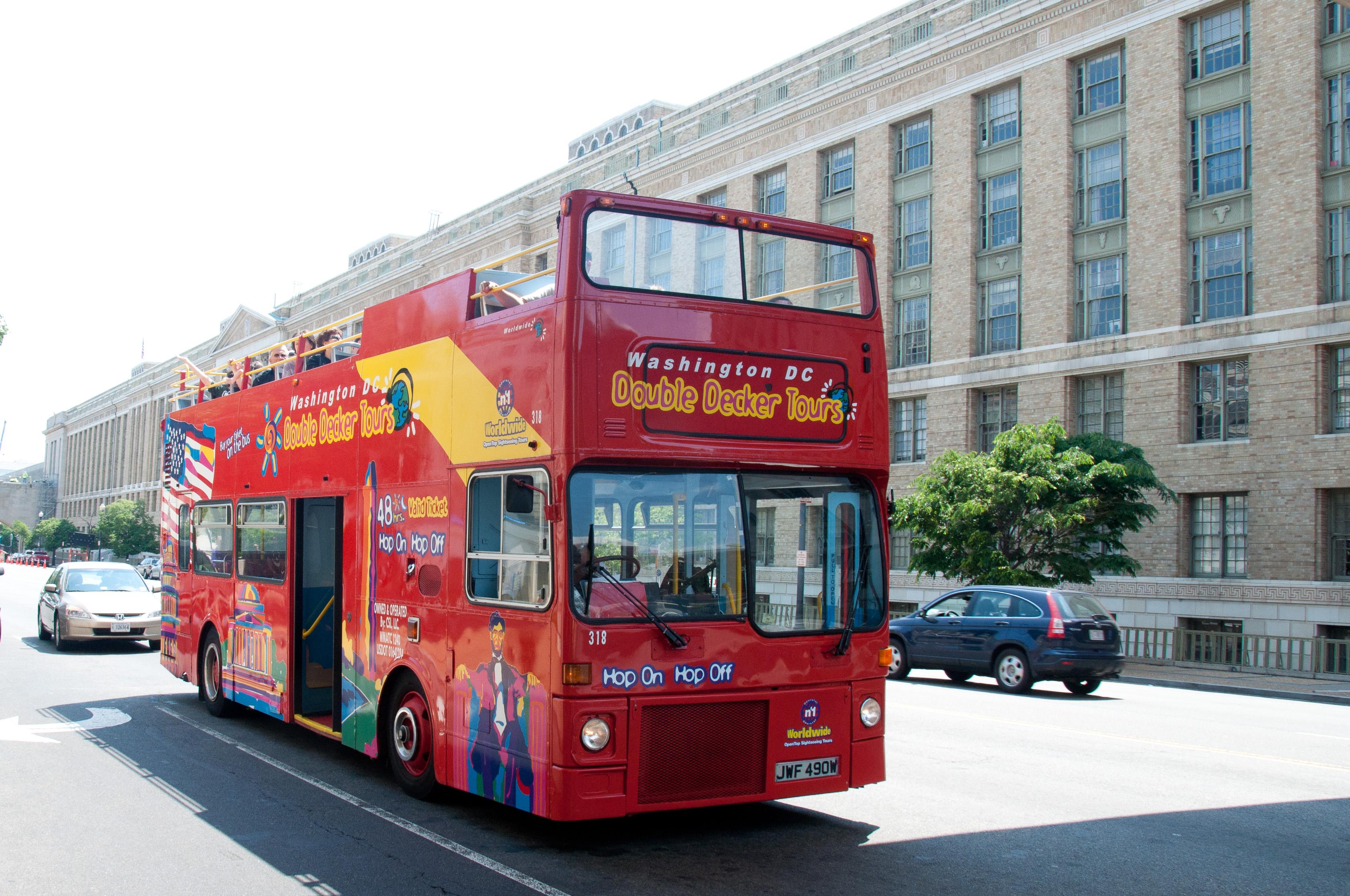 Washington Dc Tour Bus >> File City Sightseeing Bus Jwf 490w Washington Dc 15 May 2011 Jpg