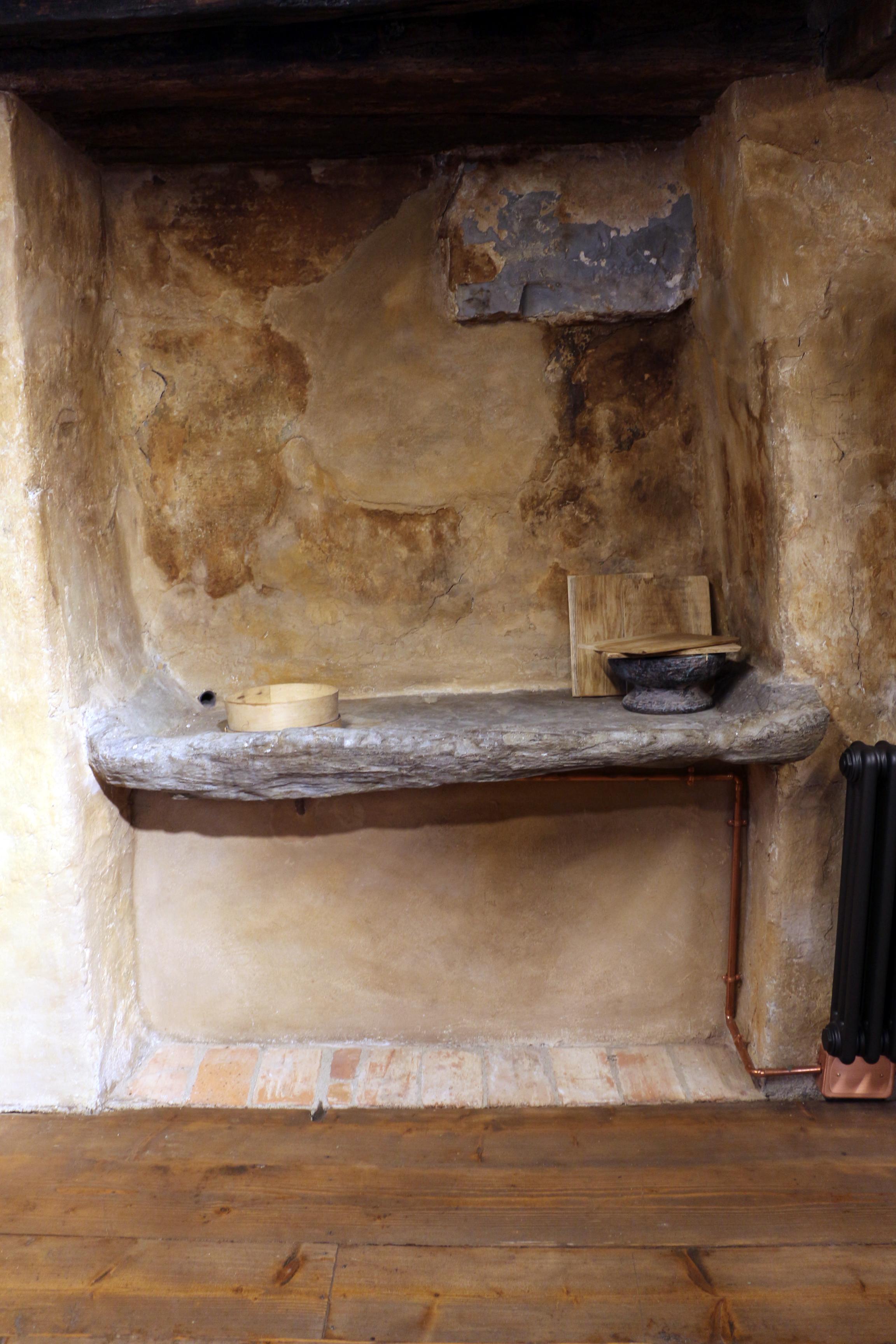File Cividale Casa Medievale 04 Cucina Lavabo Jpg Wikimedia Commons