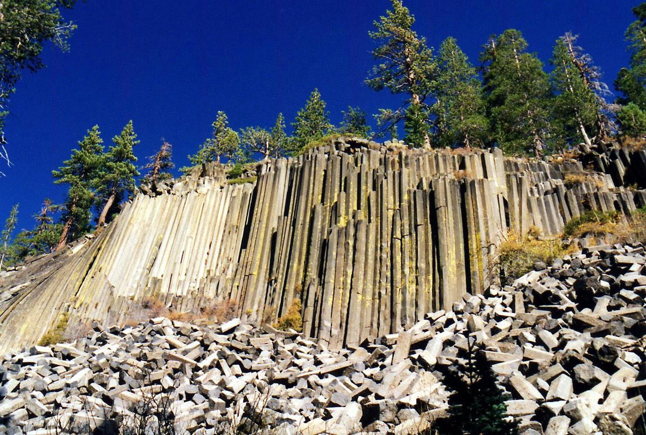 Basaltkliff im Devils Postpile National Monument