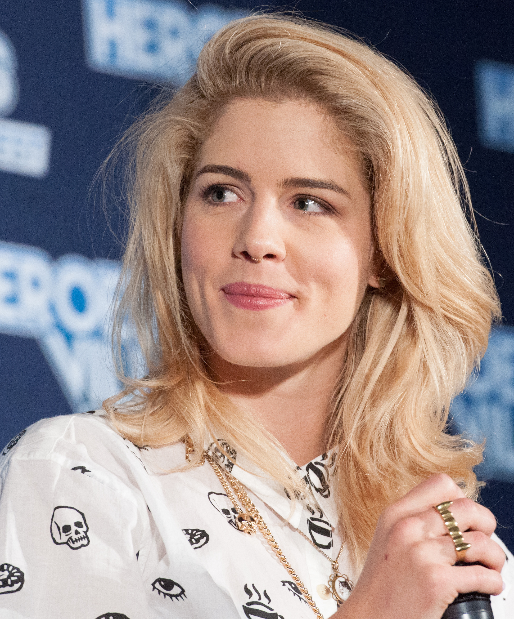 Emily Bett Rickards Nude Photos 38