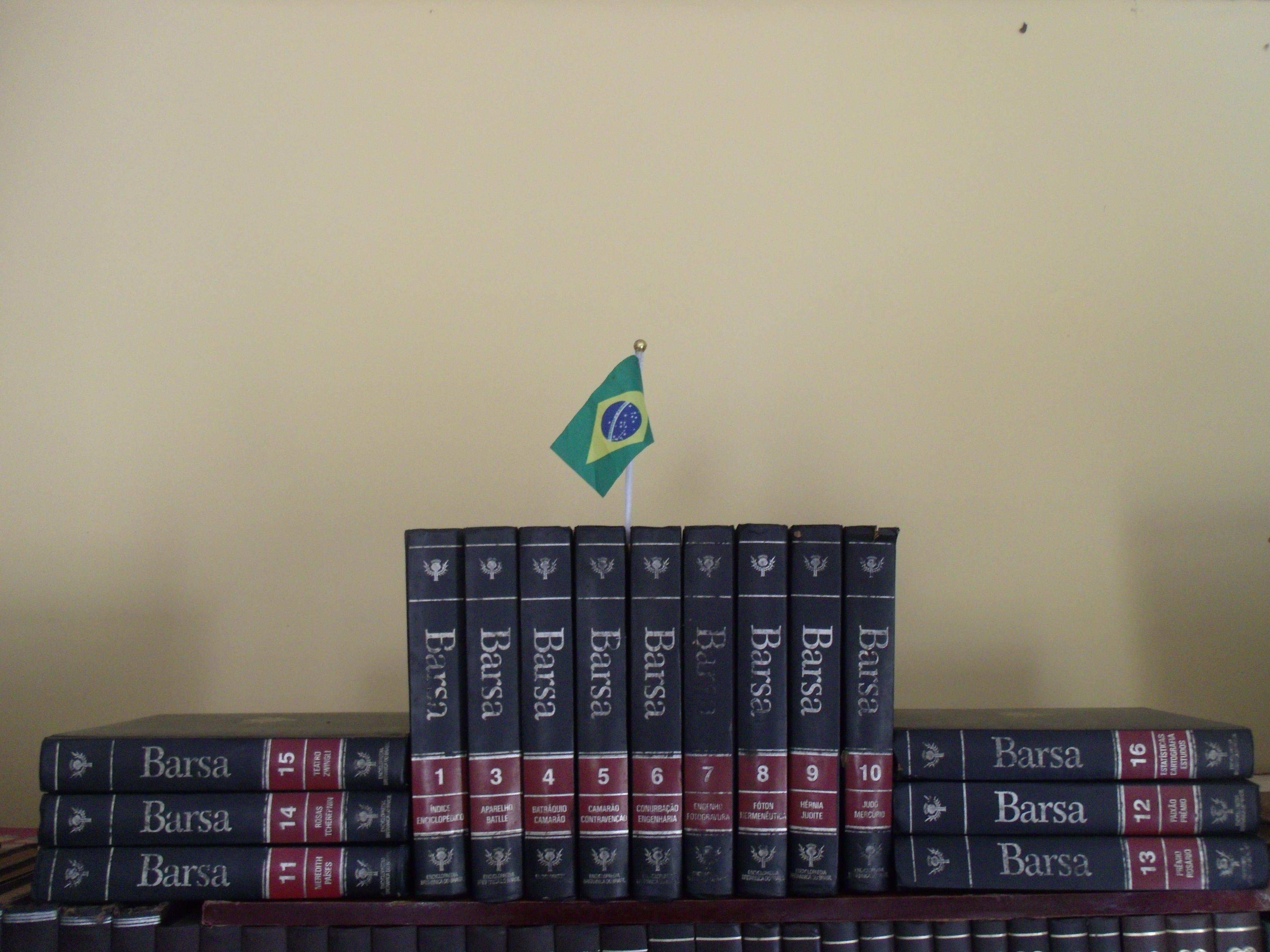 Uma das edições no acervo de uma biblioteca municipal no Piauí. f3290da3d01ef