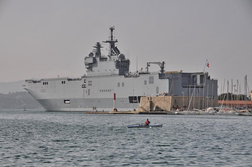 File French Amphibious Assault Ship Mistral L9013