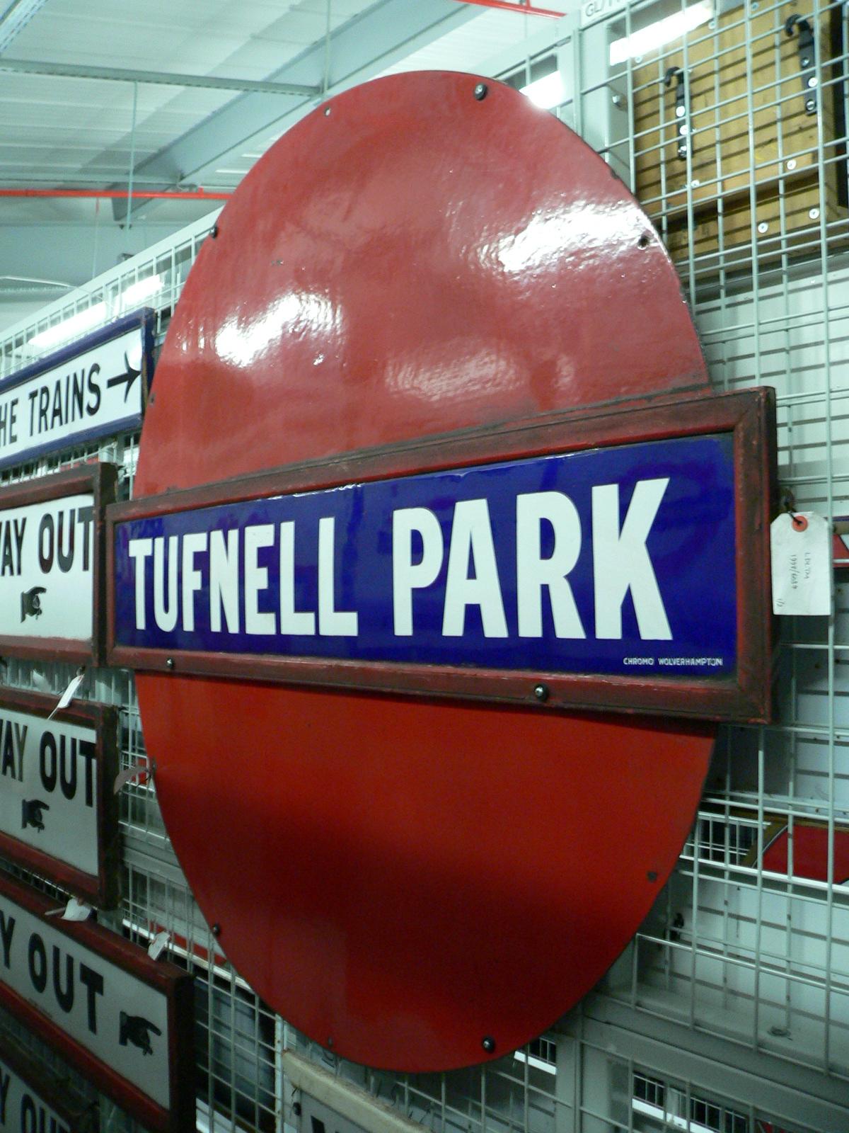 gb-ltmd-signs-tuffenel park.jpg