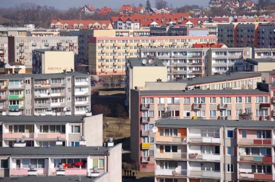Plik:Giżycko - Blokowisko.jpg – Wikipedia, wolna encyklopedia