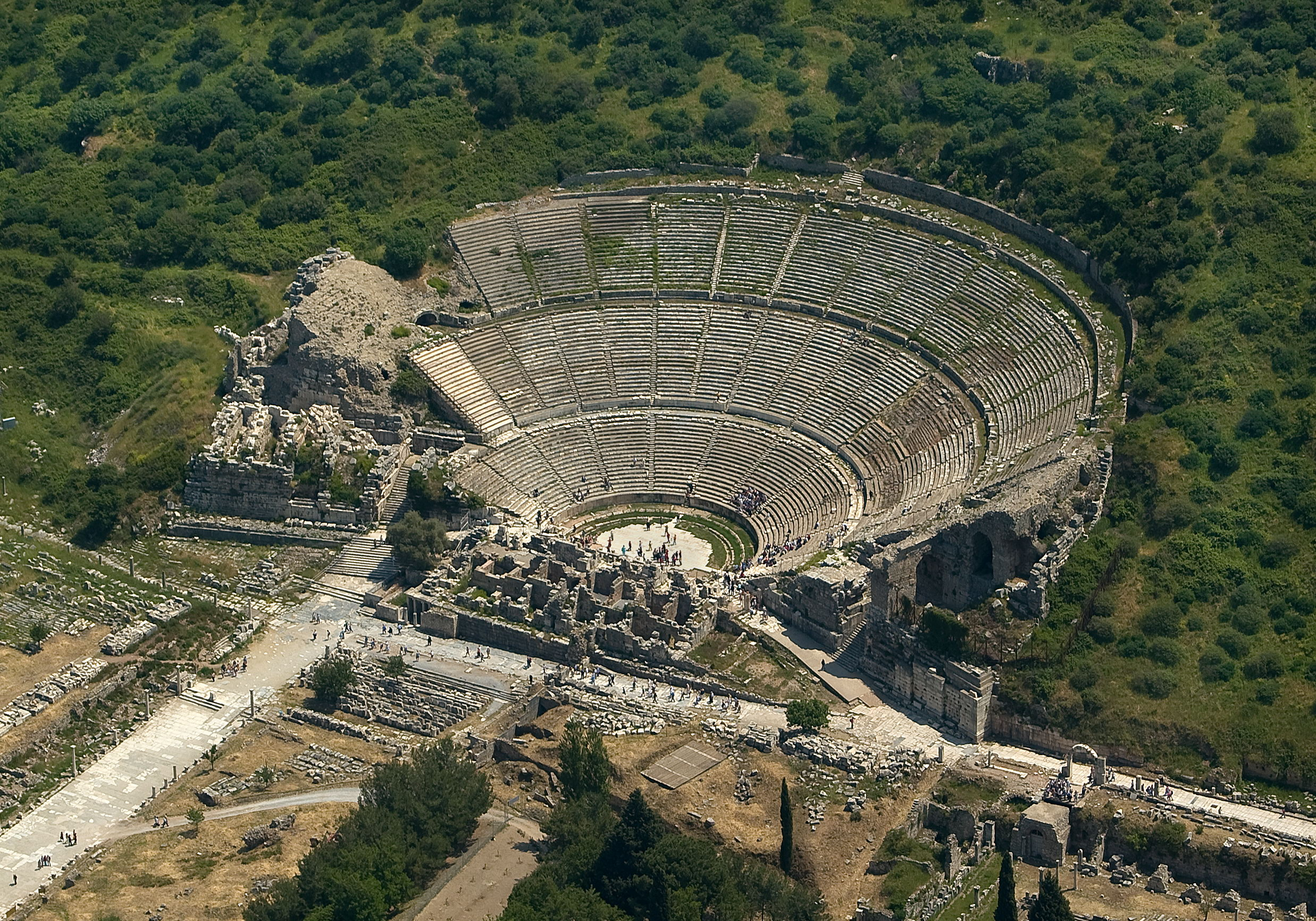 File:Great Theatre, Ephesus.jpg - Wikimedia Commons
