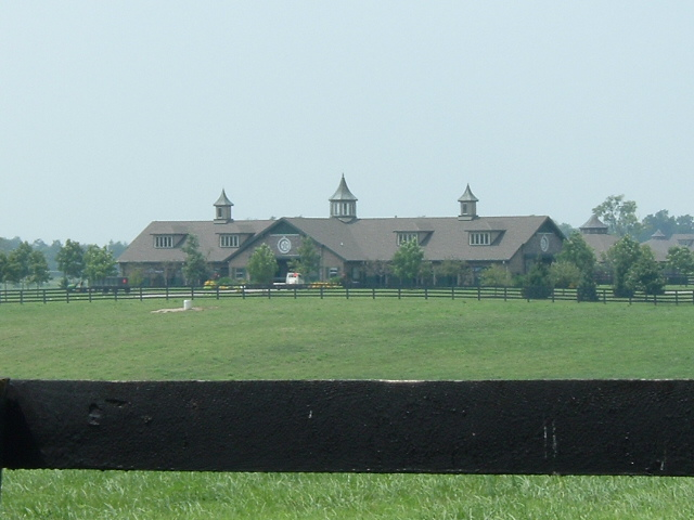File:Horse farm in Kentucky.jpg