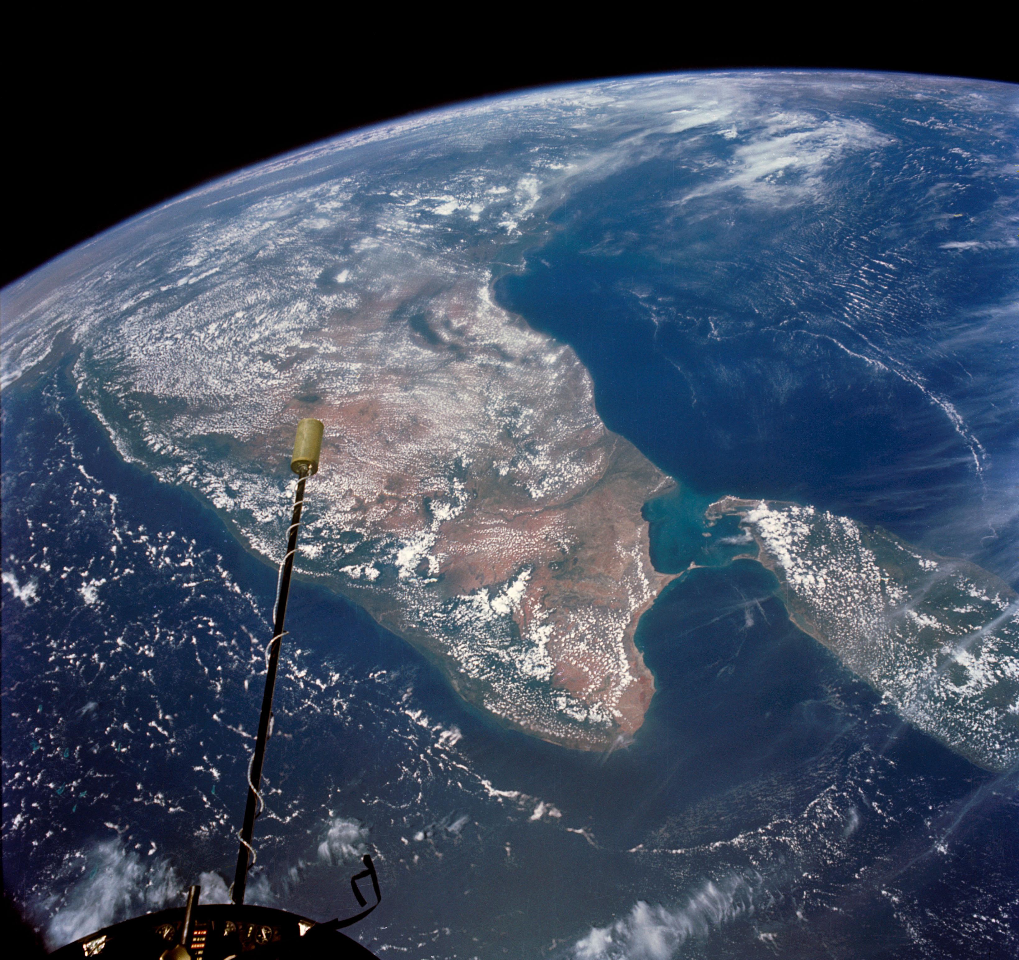India_and_Ceylon_as_seen_from_the_orbiti