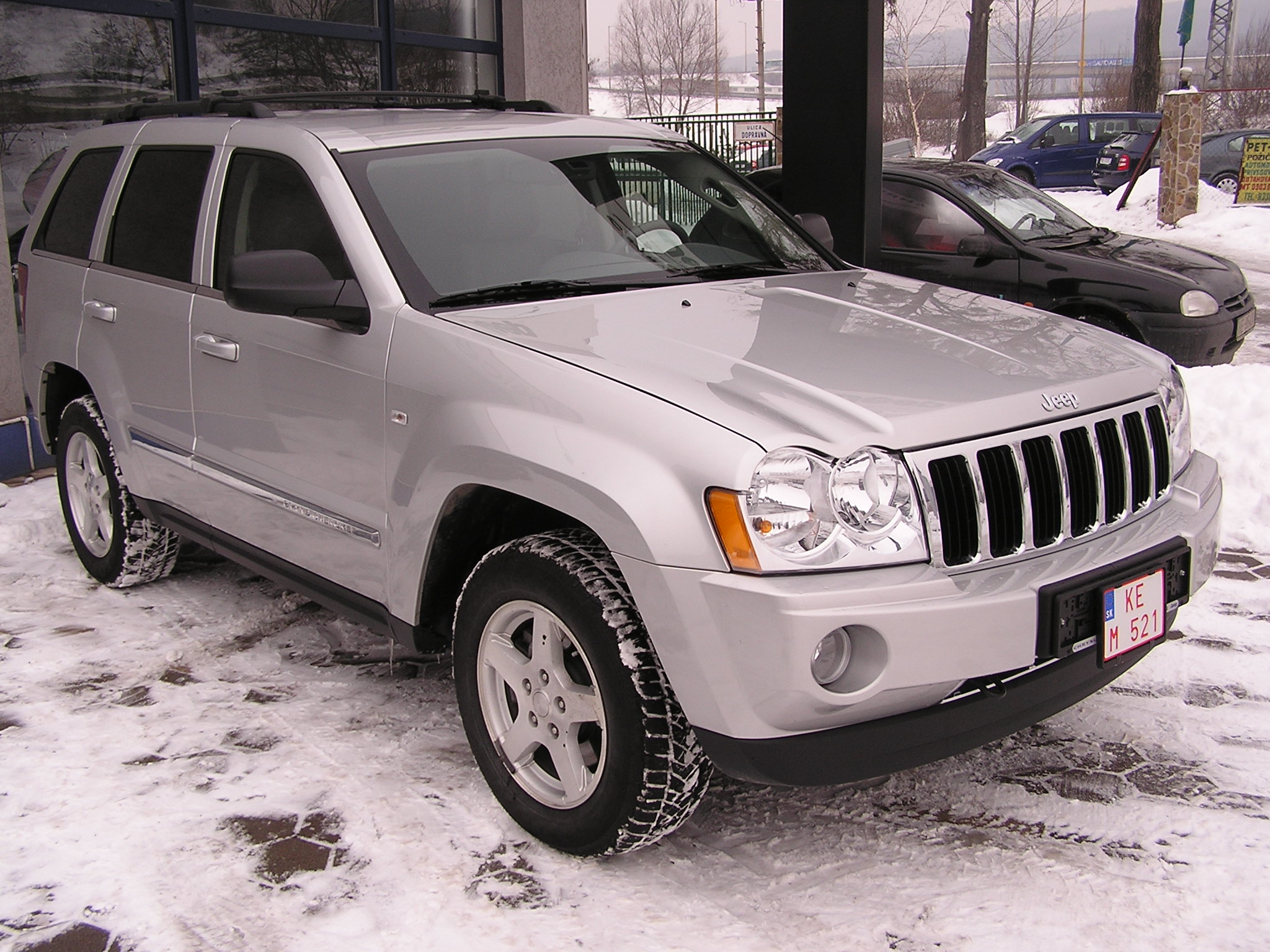 file:jeep grand cherokee 2005 - wikimedia commons