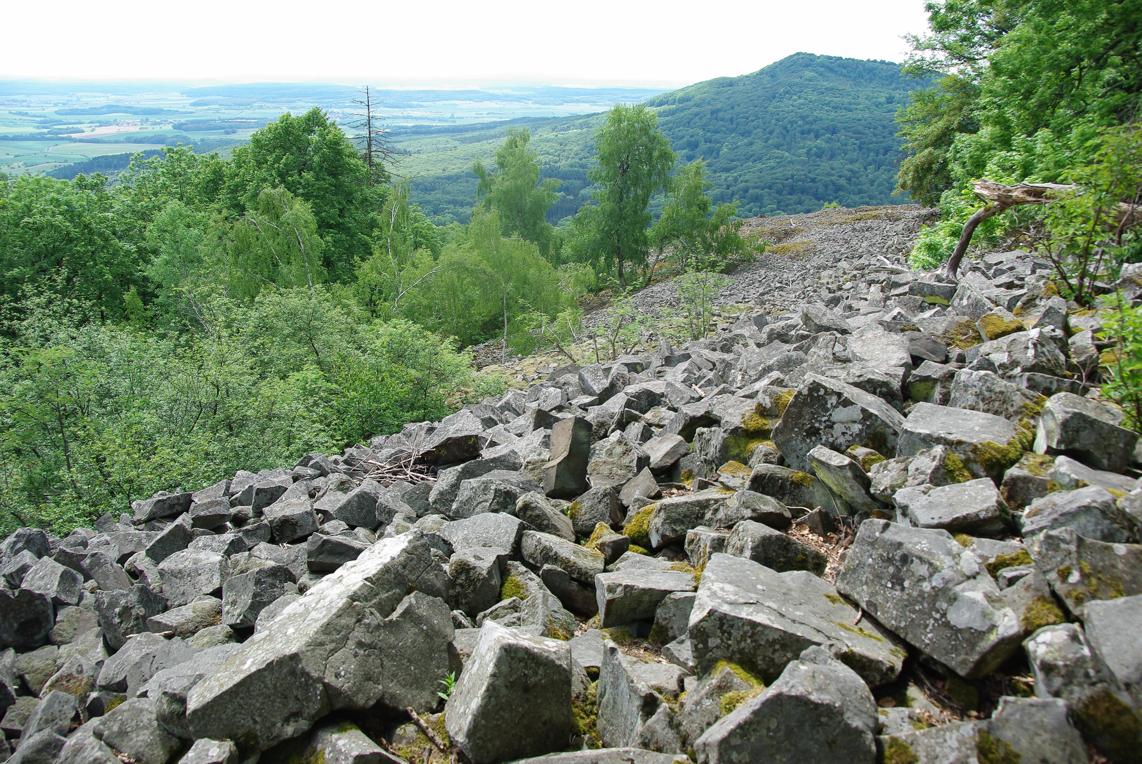 File kleiner gleichberg hildburghausen basaltfelder 1 von - Kleiner couchtisch weiay ...