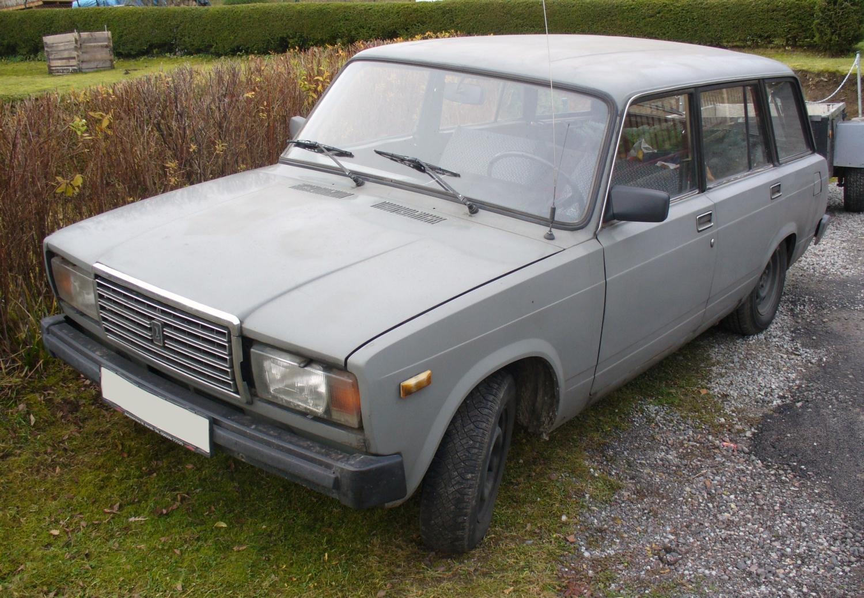File:Lada 2104.JPG