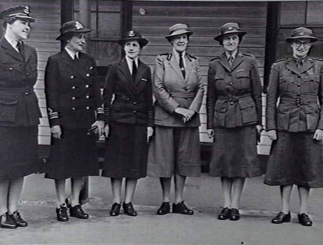 File:Leaders of Australian Womens Services 1942.jpg
