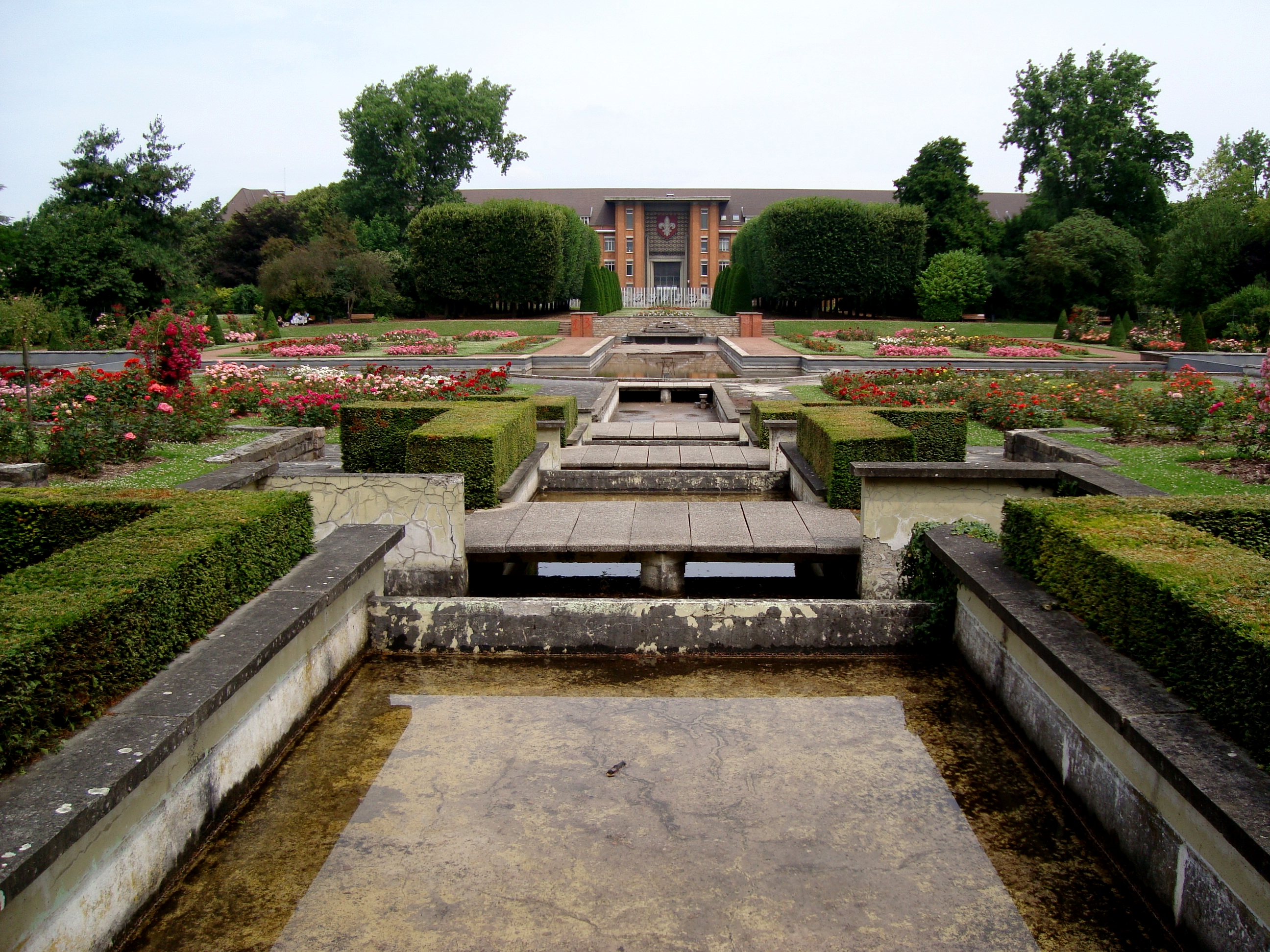 file lille jardin plantes bassin jpg wikimedia commons