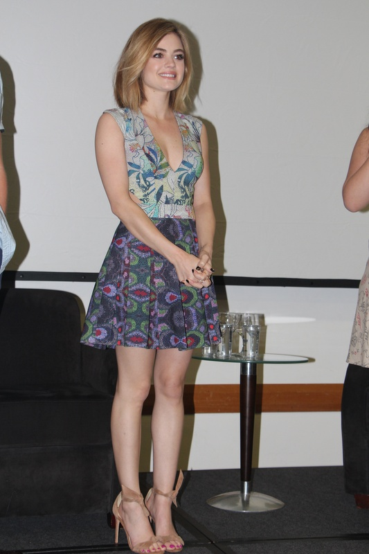 Lucy Hale-002 (25235263119).jpg