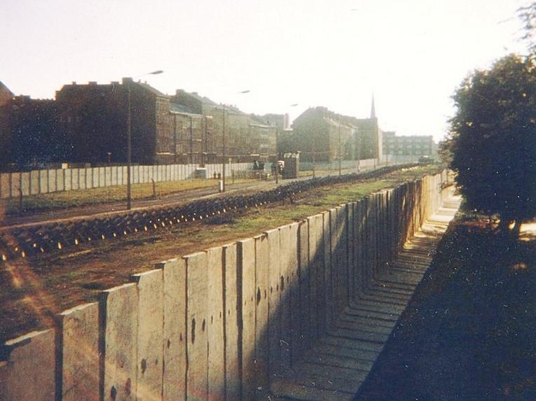 MauerBernauerStr1.jpg