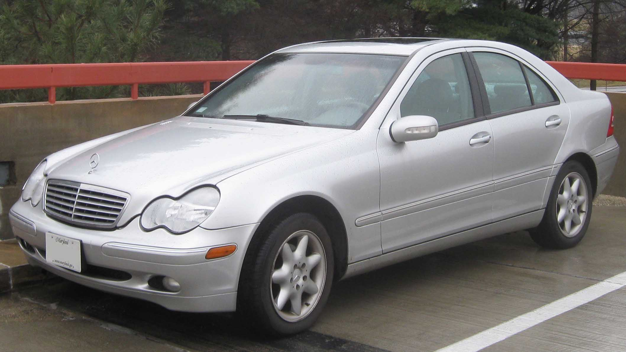 file mercedes benz c240 sedan     wikimedia commons