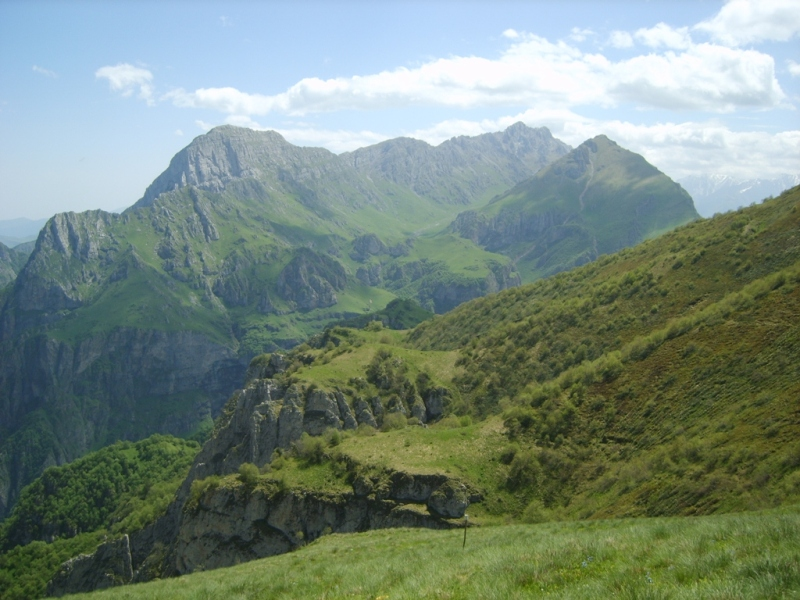 File:Mountain of Ingushetia 02.jpeg