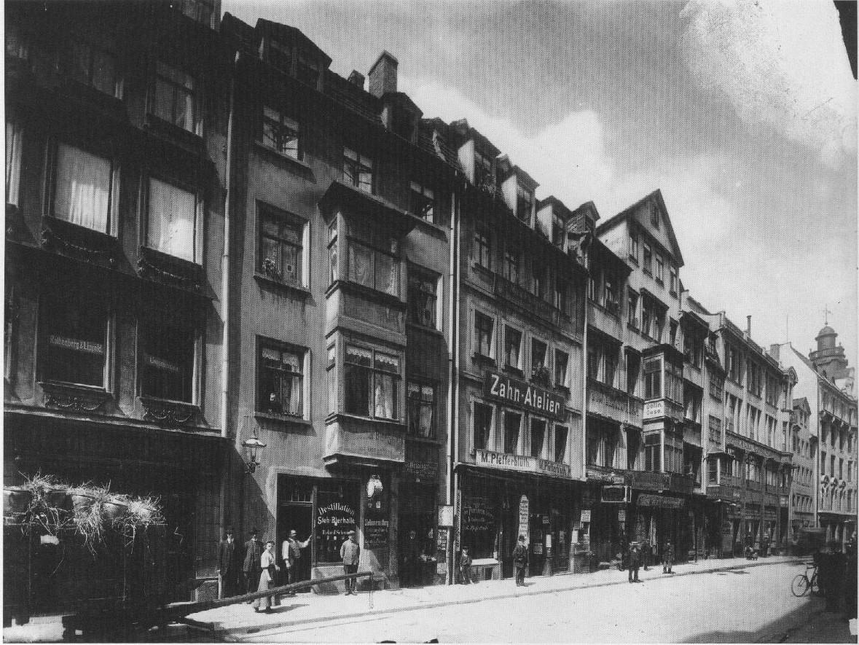 Nikolaistrasse linke Seite Leipzig um1900.jpg
