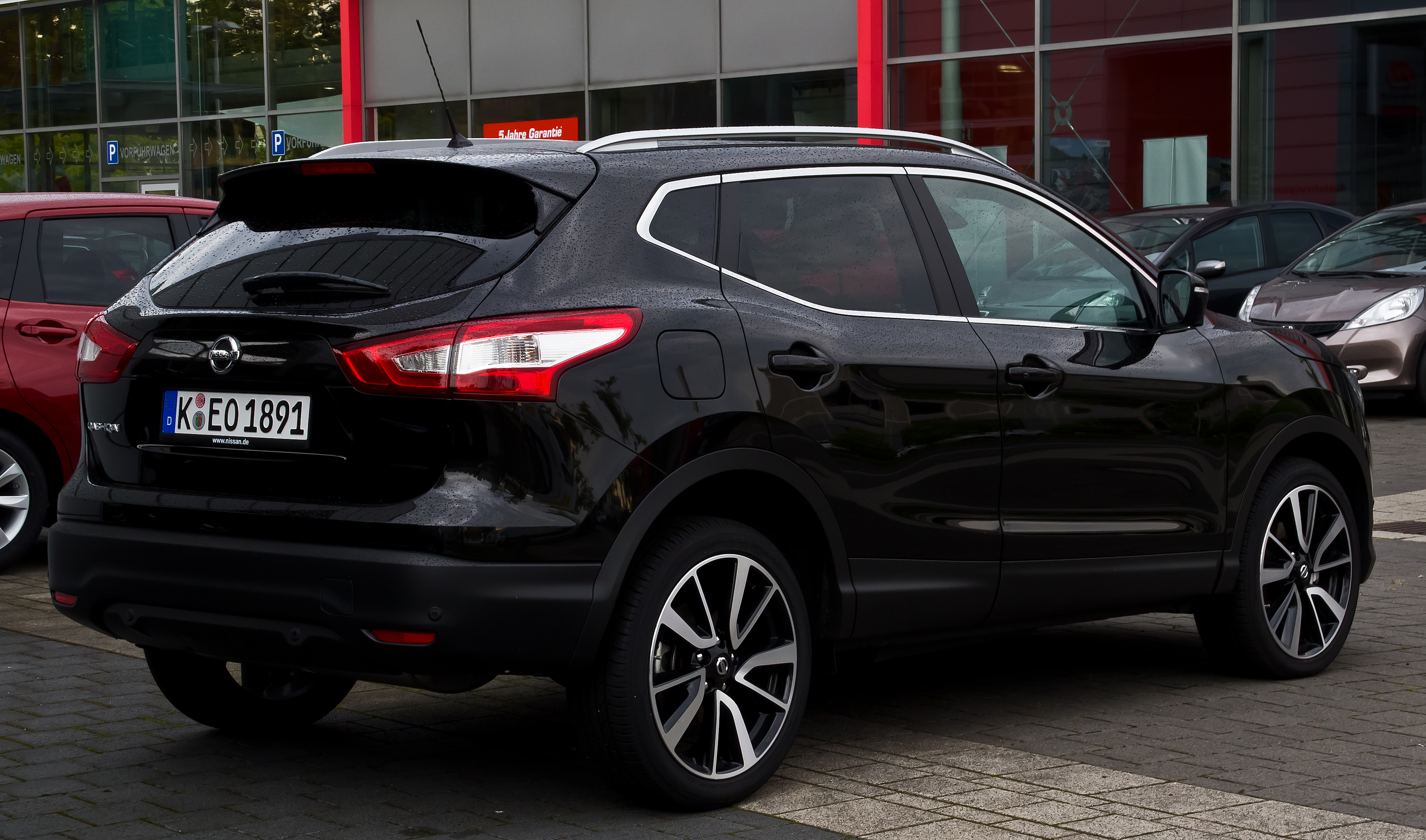 Description Nissan Qashqai Tekna (II) – Heckansicht, 24. August 2014