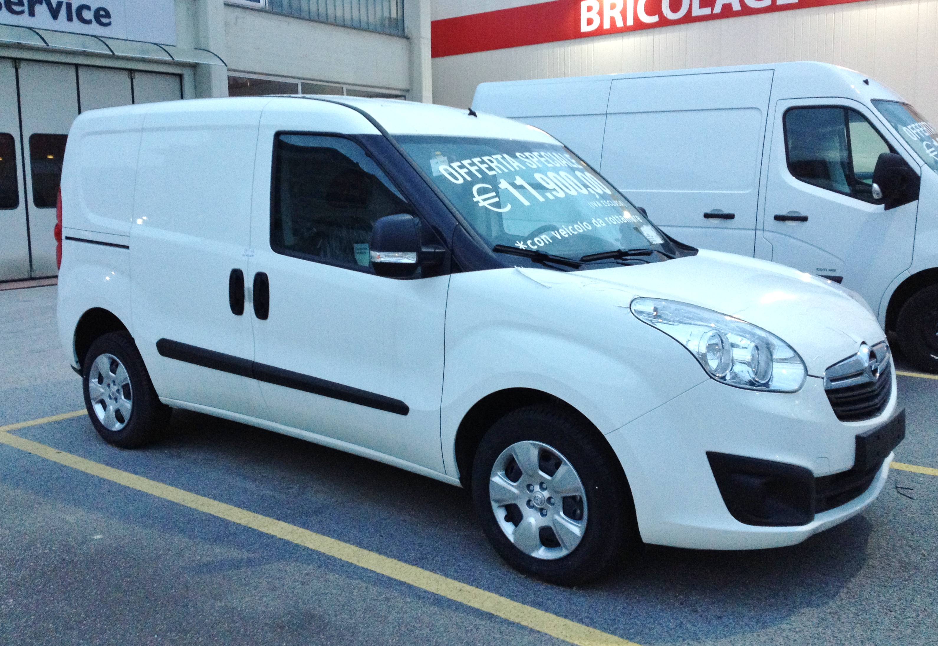 Illustration : OPEL - COMBO CARGO 1.6
