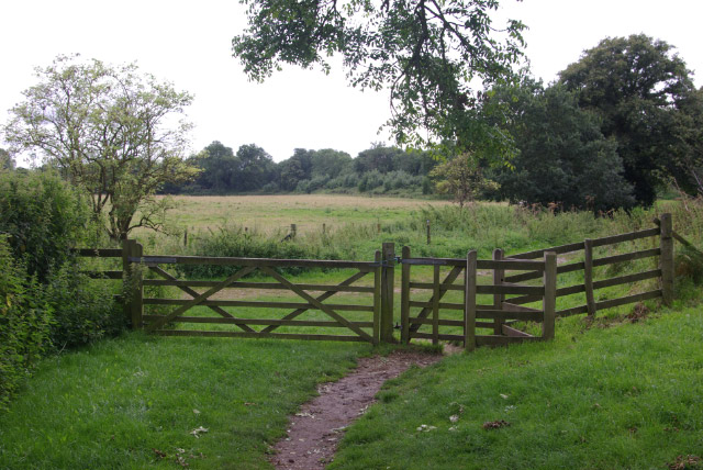 Path around Calleva Atrebatum - geograph.org.uk - 943141