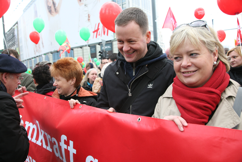 Petra Pau, Klaus Lederer, Gesine Lötzsch 2011.jpg