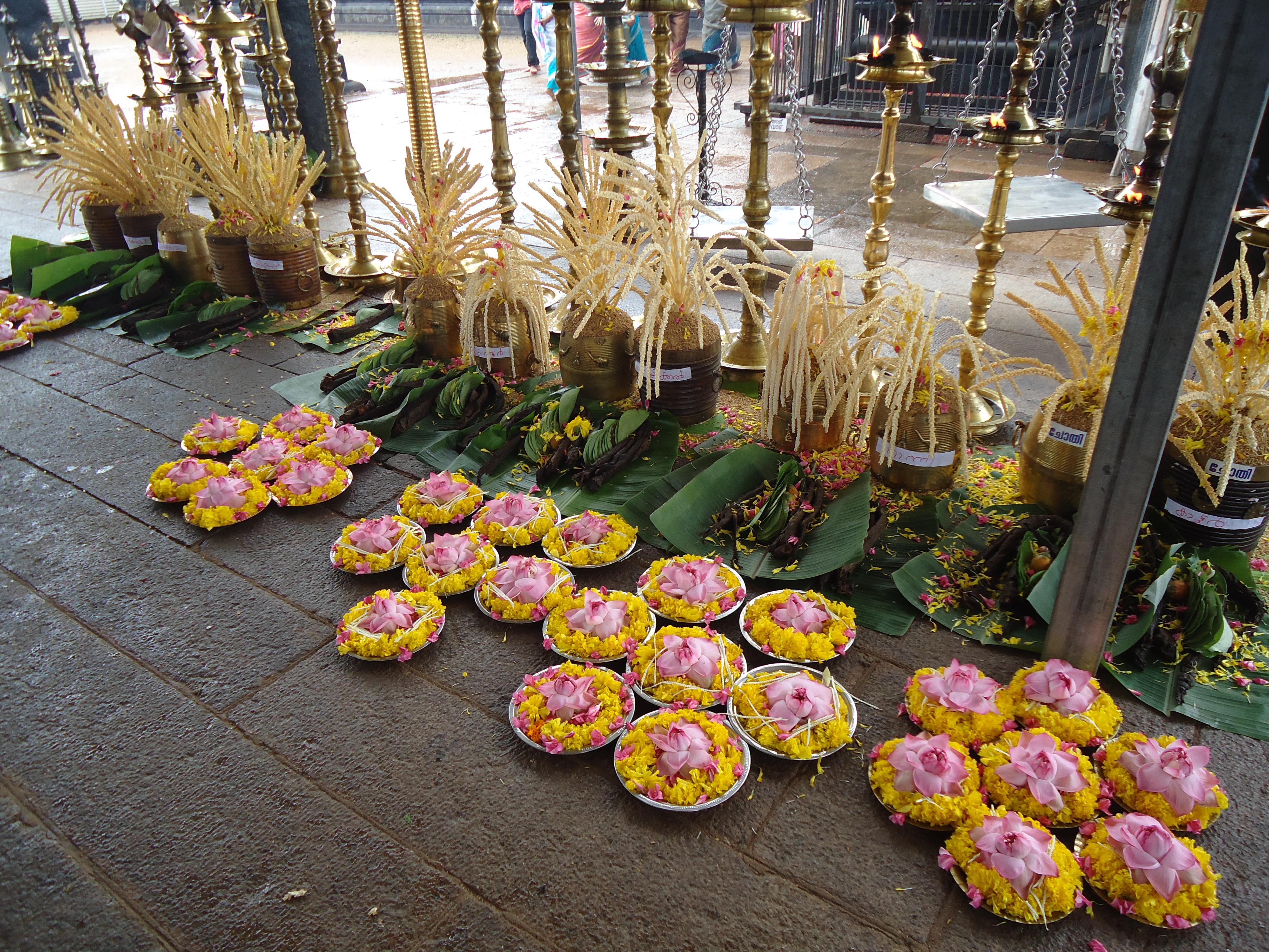 File:Puja decorations aranmula kerala - panoramio (1) jpg