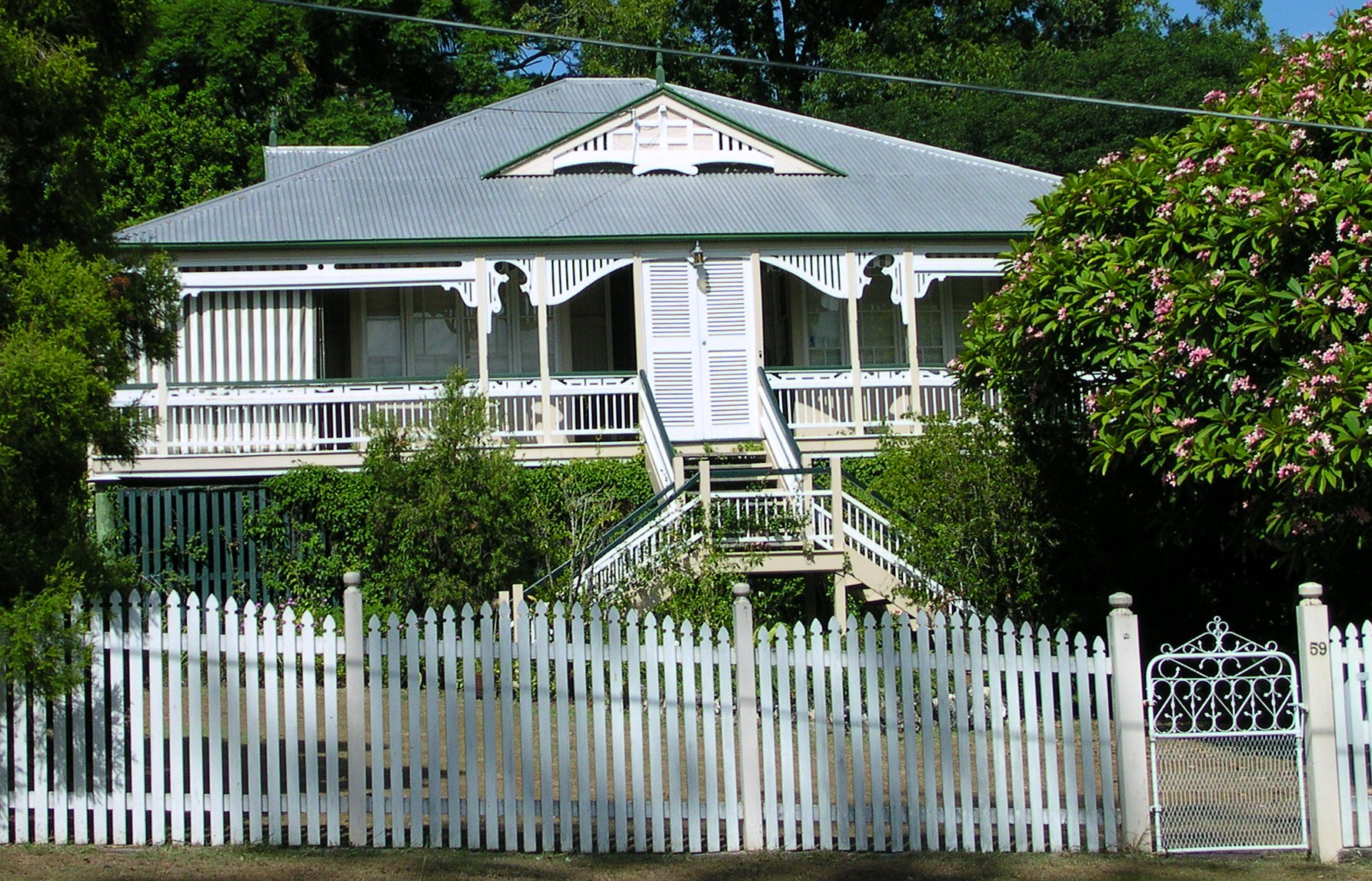 File Queenslander Home Australia Jpg Wikimedia Commons