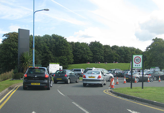 File:Queue for a parking space, Gordano Services - geograph.org.uk - 1464476.jpg