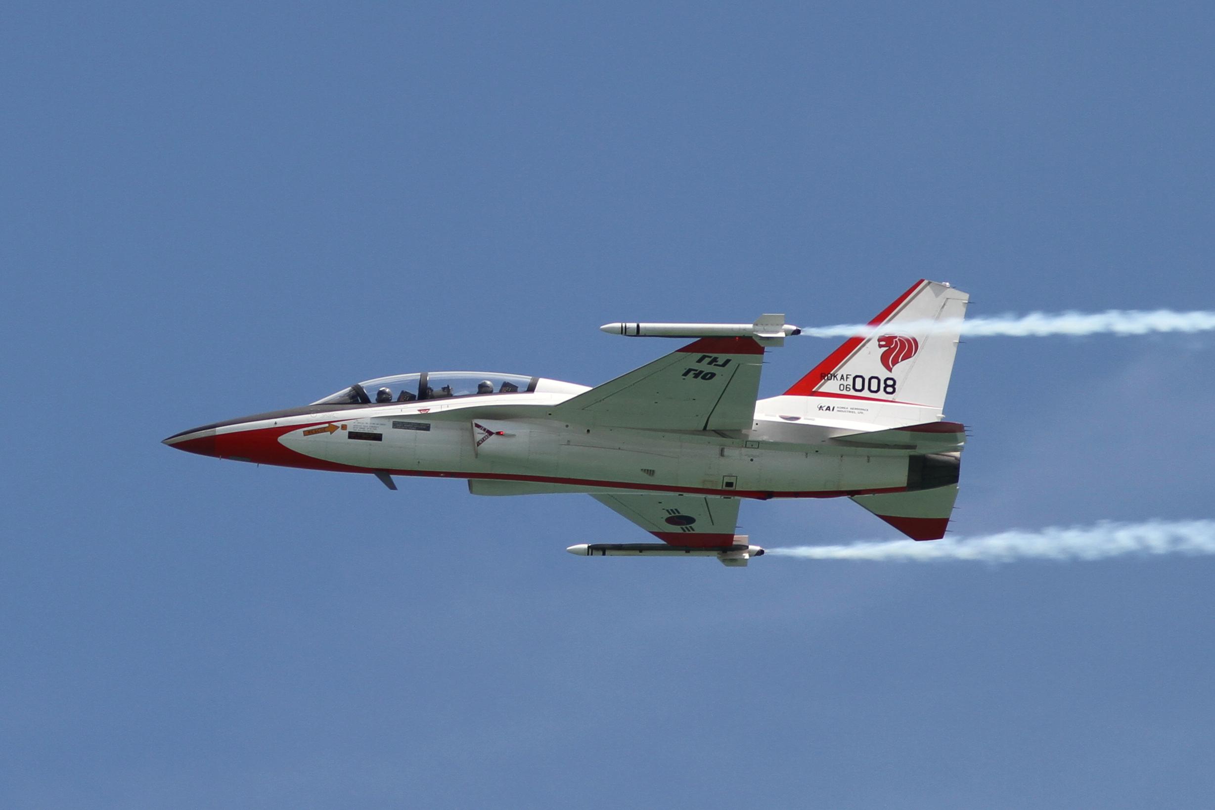 ROK_Air_Force_TA-50(06-008)_(4340109745).jpg