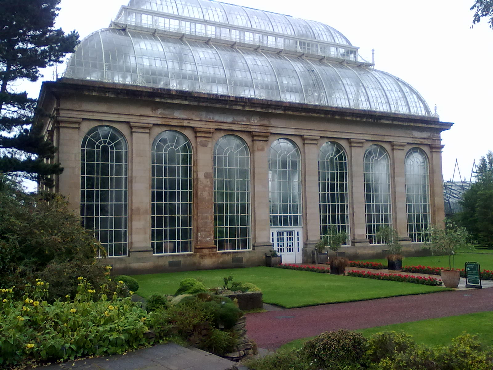 File:Royal Botanic Garden Edinburgh, Palm House 06