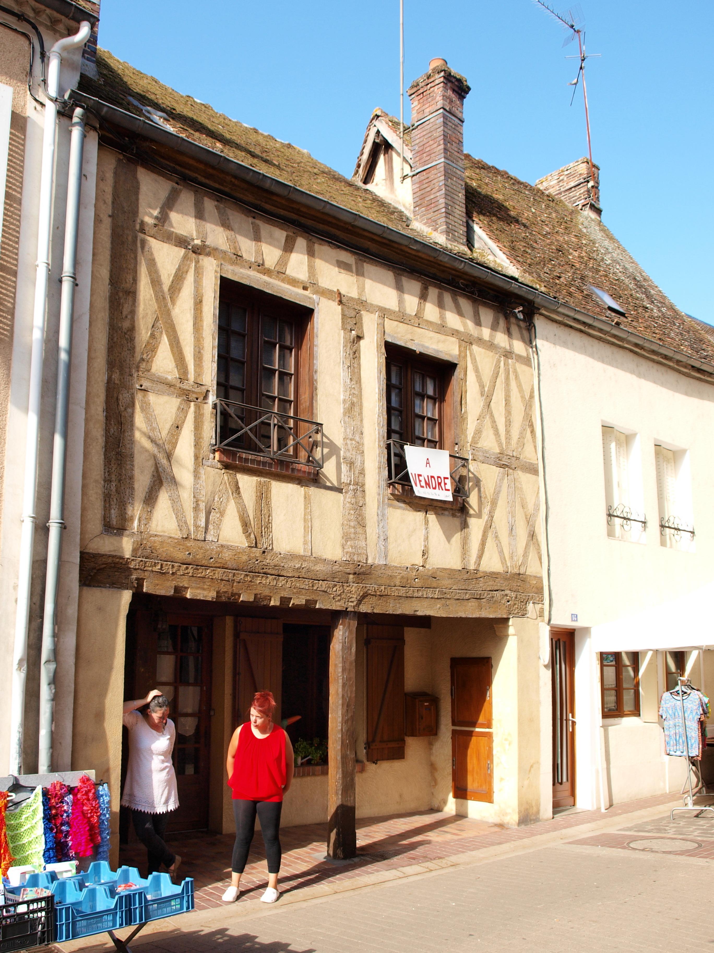 Captivating File:Saint Fargeau FR 89 Jour De Marché 04.