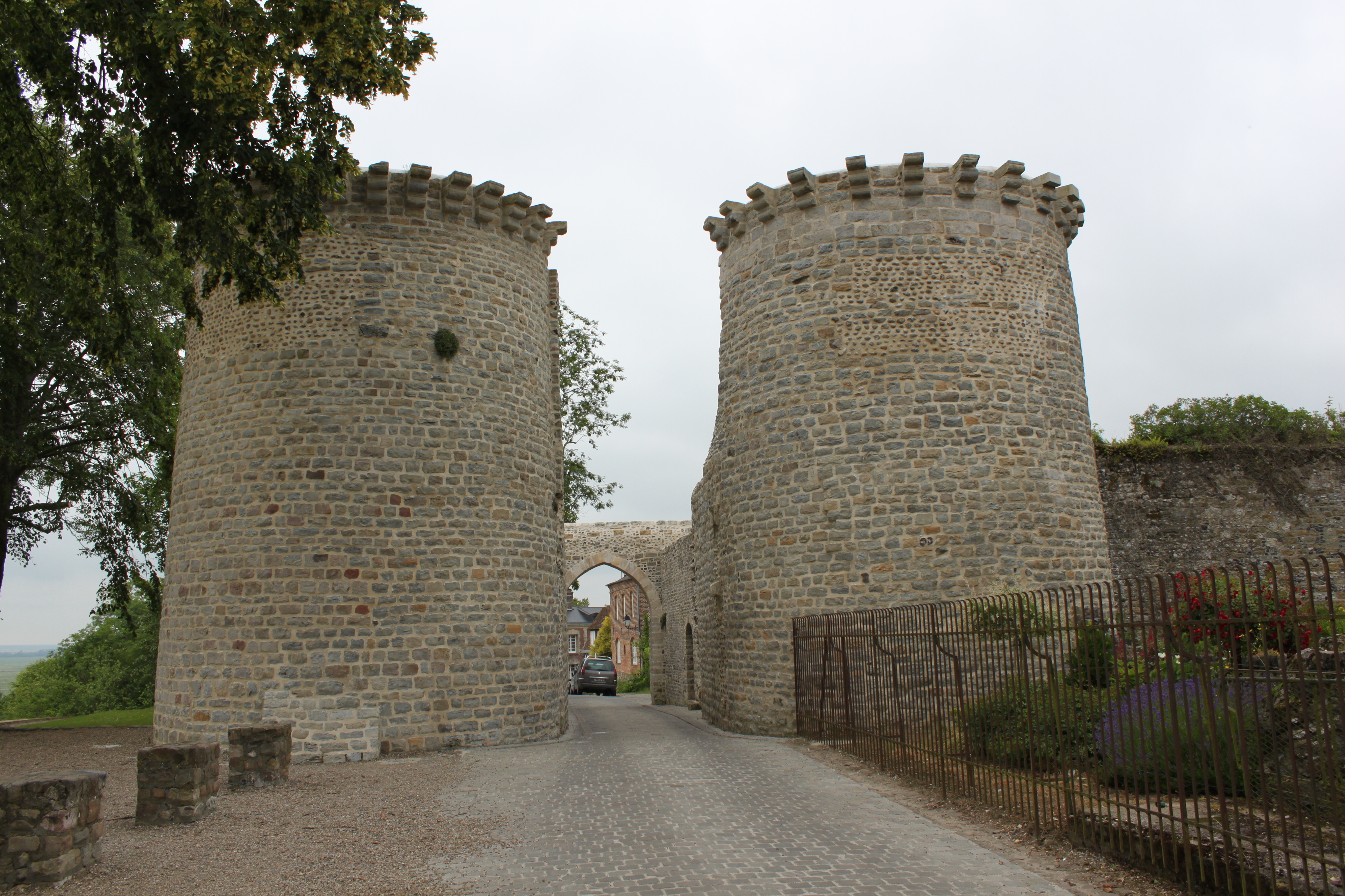 Description Saint-Valery-sur-Somme - Tours Guillaume 3.JPG