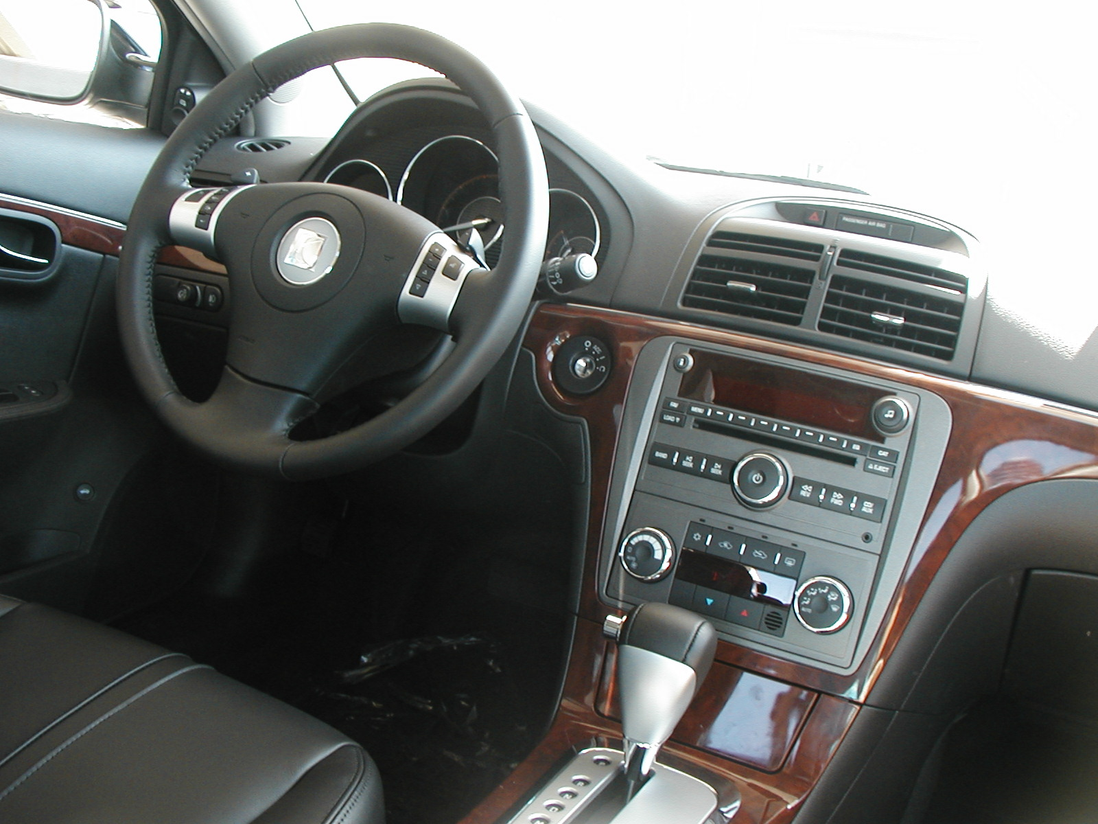 File Saturn Aura Interior Jpg Wikimedia Commons