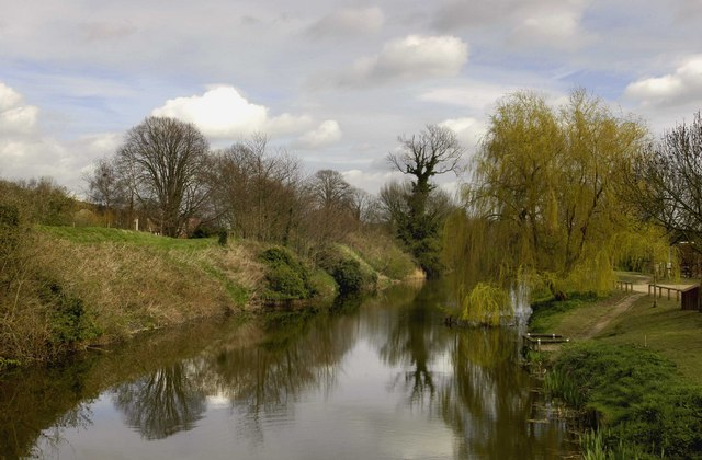 The Royal Military Canal at West Hythe - geograph.org.uk - 748038
