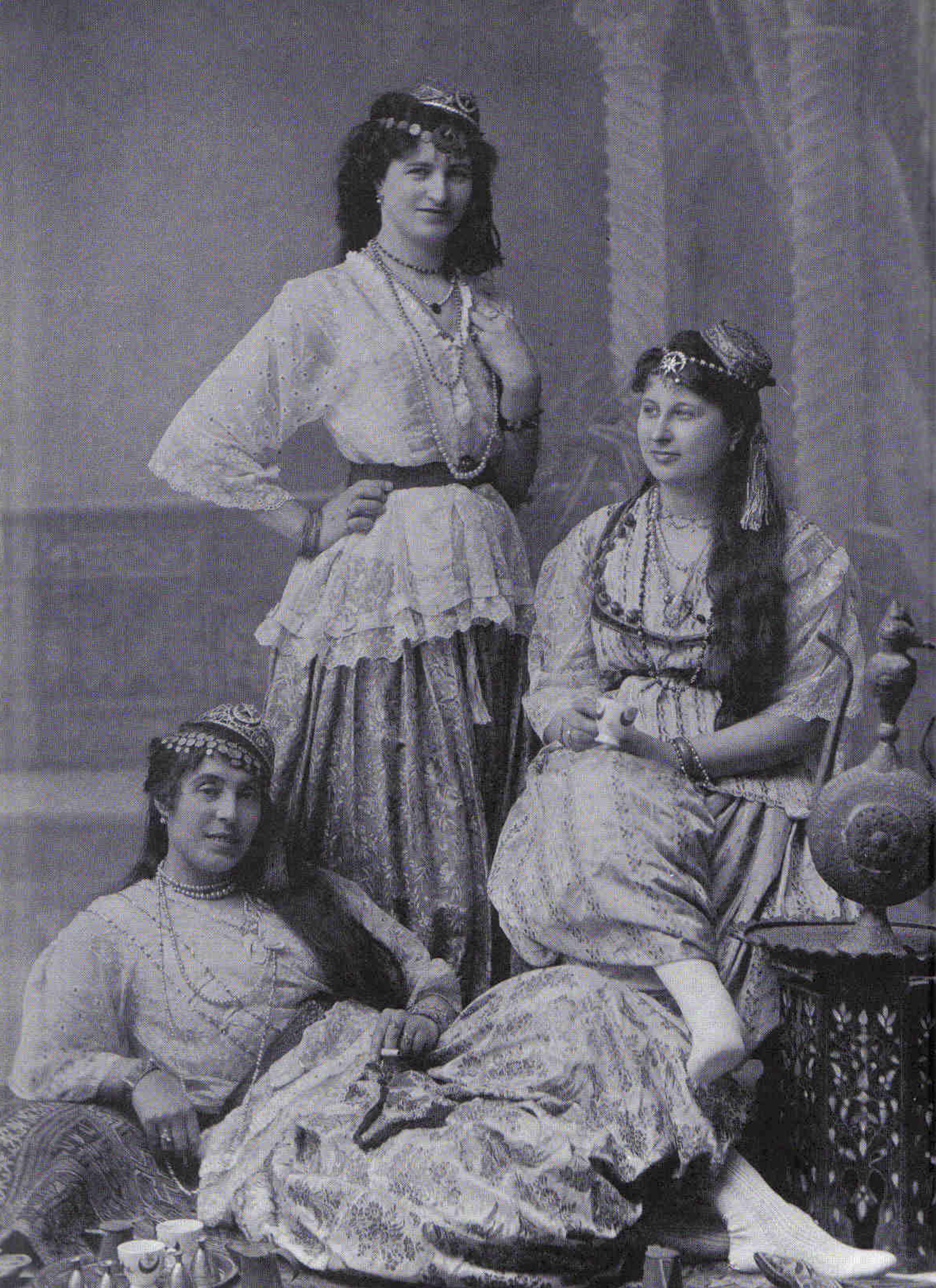 35992c98dd3 Women in the Arab world - Wikipedia