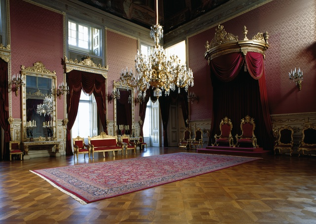 [Obrazek: Throne_Room_Ajuda_Palace_Lisbon.jpg]