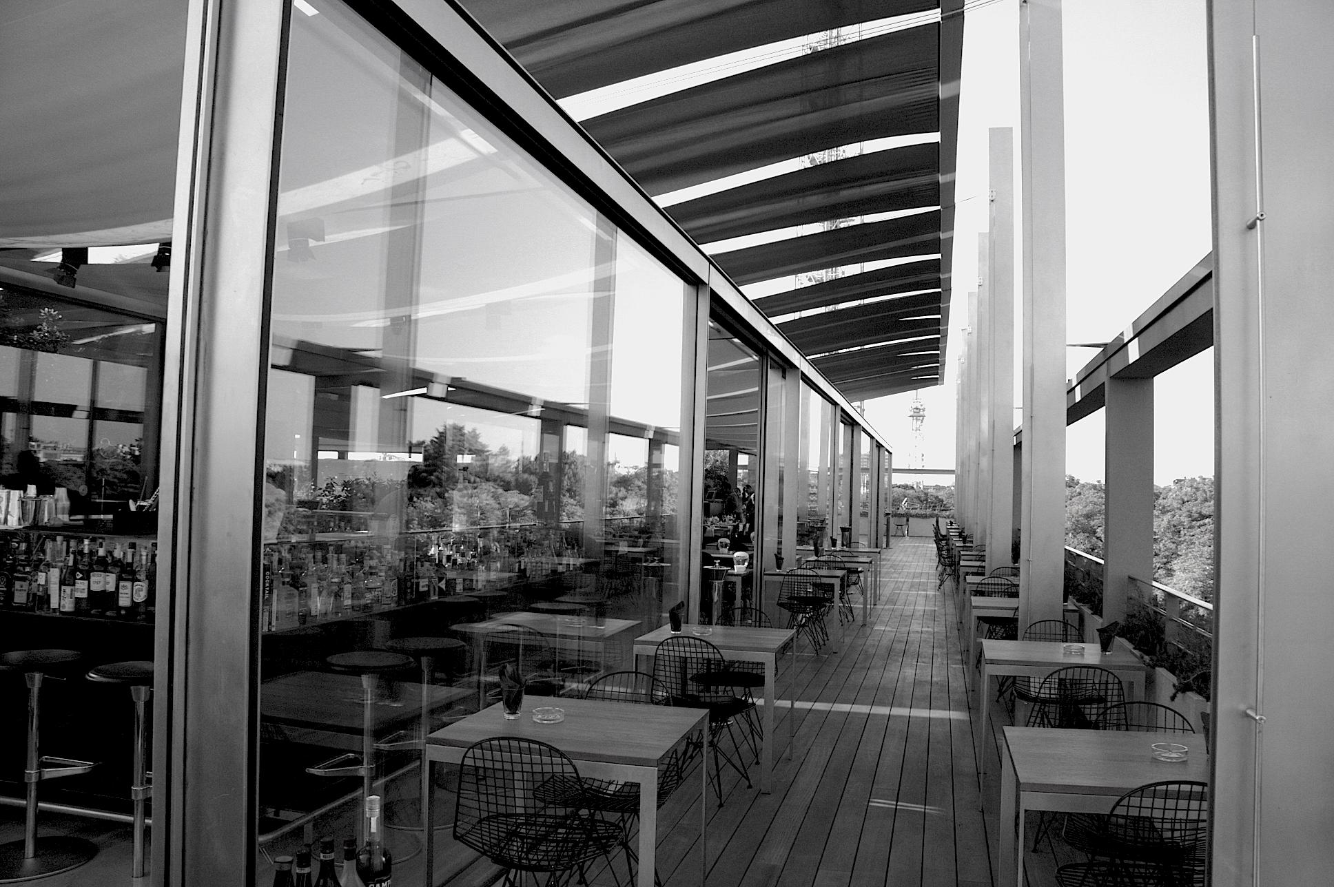 File:Triennale di Milano ristorante sulla Terrazza.jpeg - Wikimedia ...
