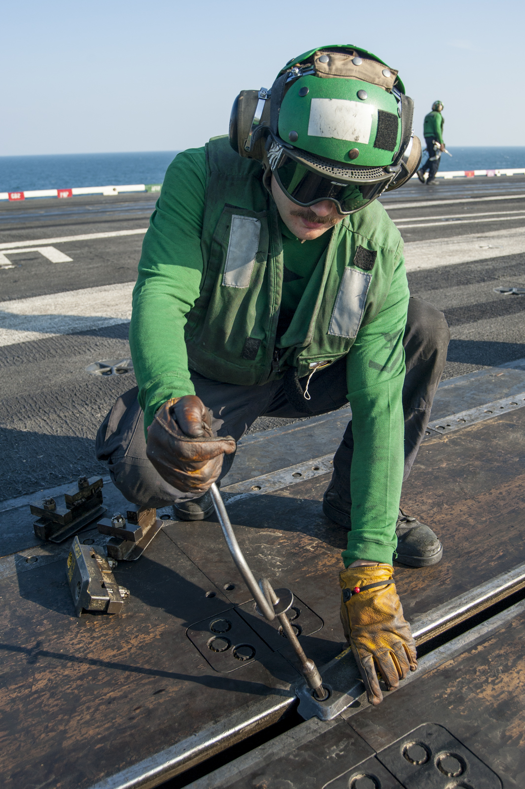 File:USS Carl Vinson supports Operation Inherent Resolve
