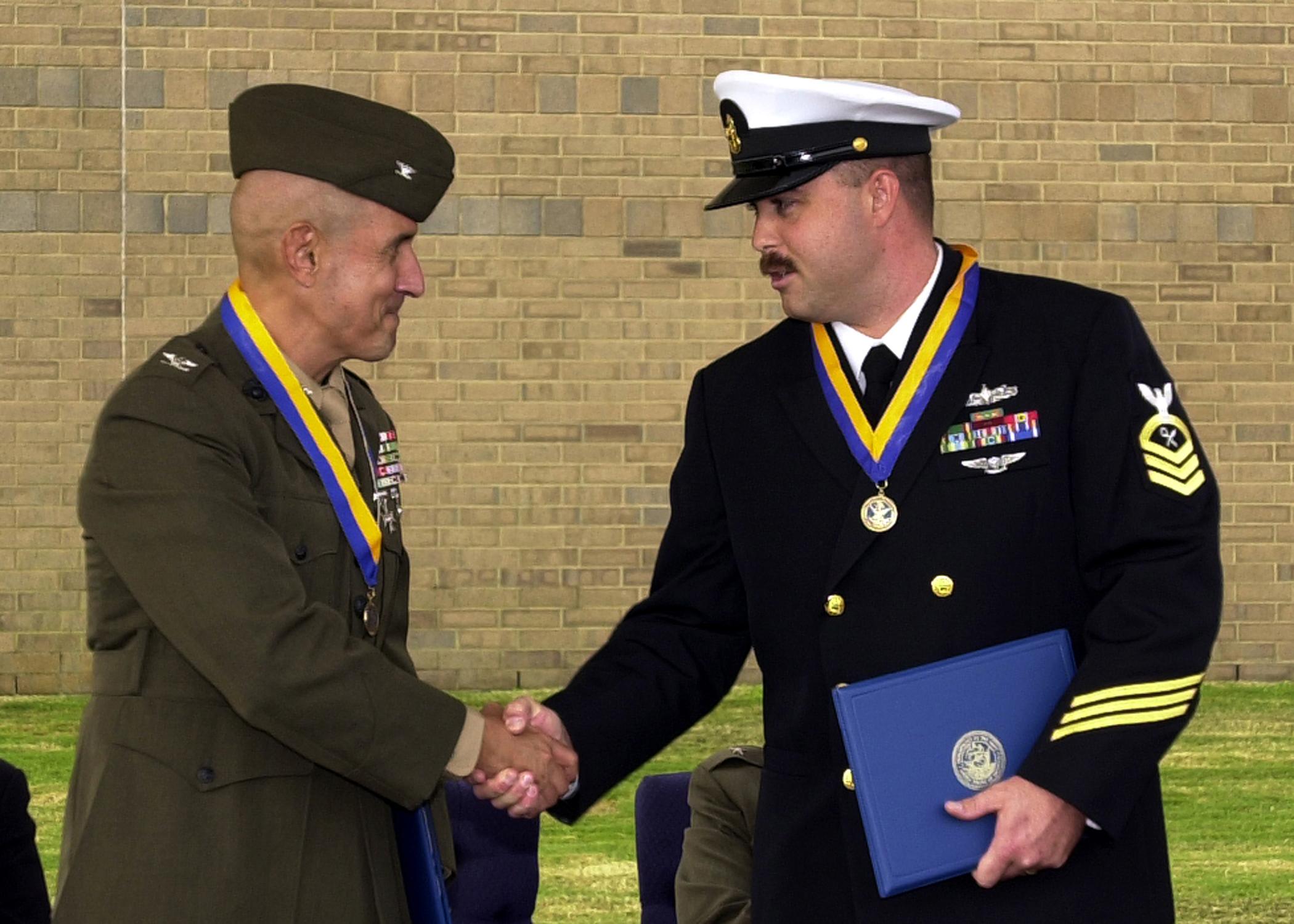 intelligence specialist navy