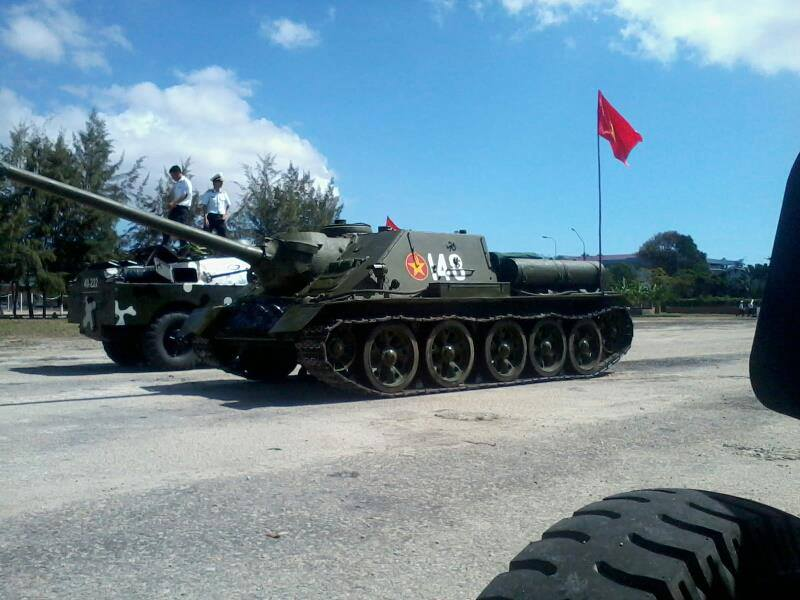 Little stories of US, Soviet (and other foreign) weapons in Vietnam - Page 2 Vietnamese_SU-100