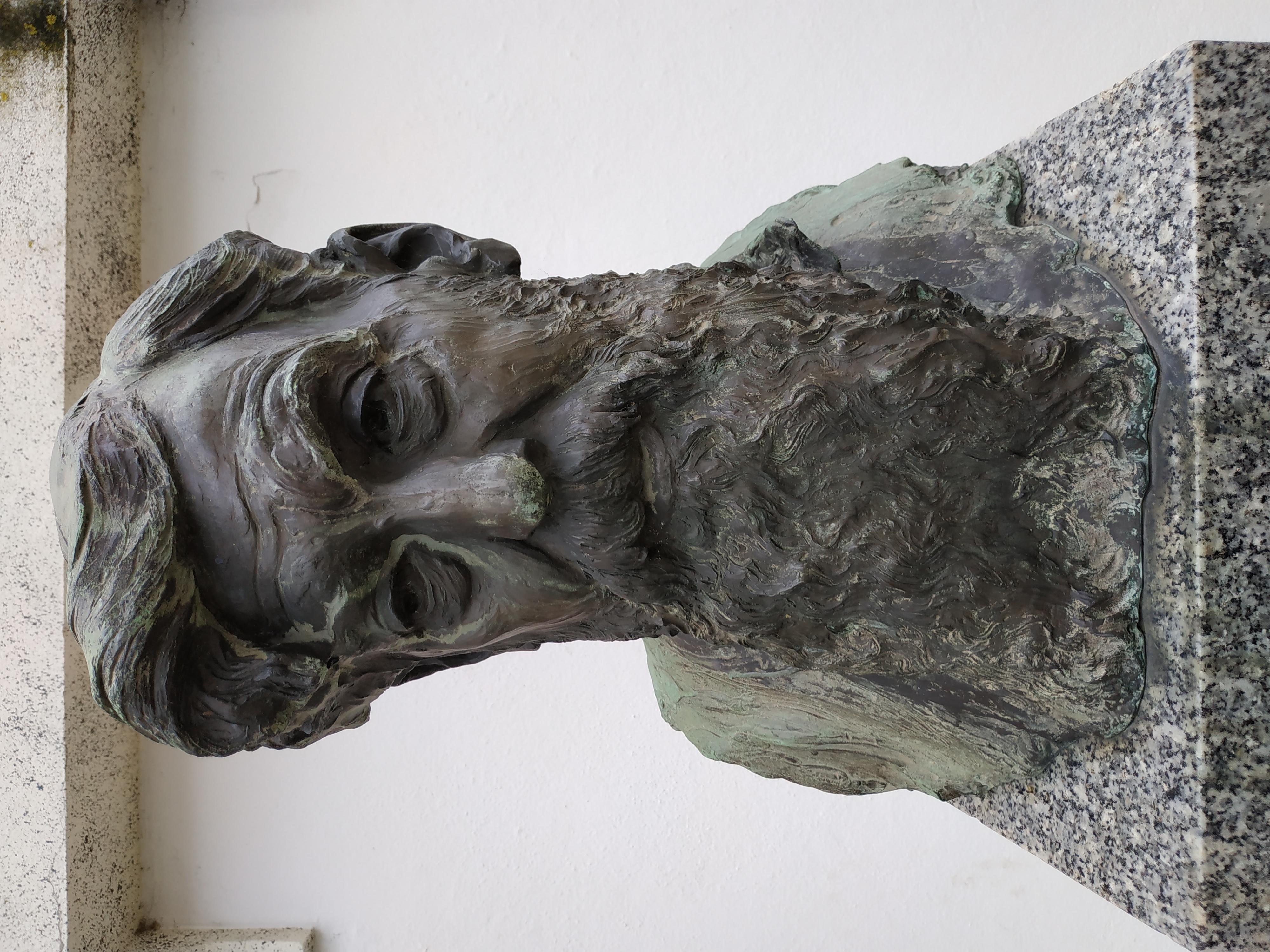 Ancient Gaia Statue file:vila nova de gaia 14 - wikimedia commons