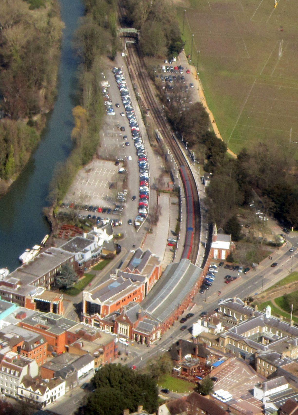 Windsor & Eton Riverside railway station - Wikipedia
